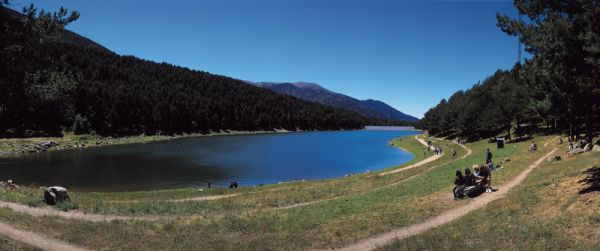 Engolaster lake